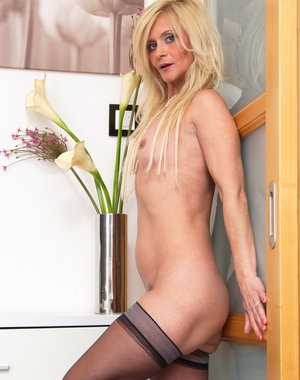 Hot blonde housewife getting ready to be dirty