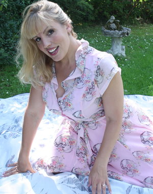 Hot Blonde mom getting naughty at a picnic