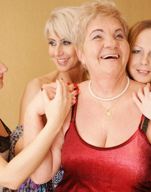 Four old and young lesbians party hard