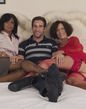 A hot and steamy mature threesome