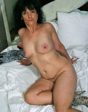 This mature lady loves to get wet and wild