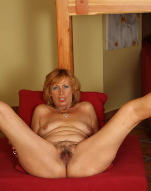 Horny mature slut loves to fuck her ass off