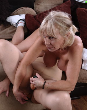 Mature lesbian tennis teacher does her wet pupil