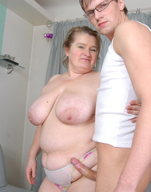Chubby mama fucking a younger dude
