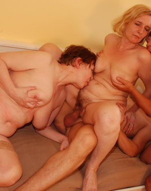 Three mature sluts fucking one lucky dude
