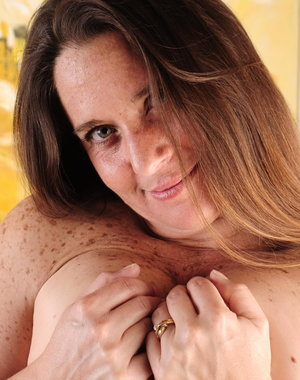 Horny American housewife getting frisky