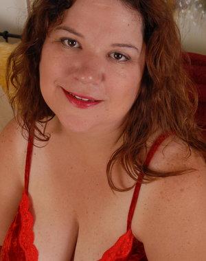 Chubby housewife Shy loves to get naughty