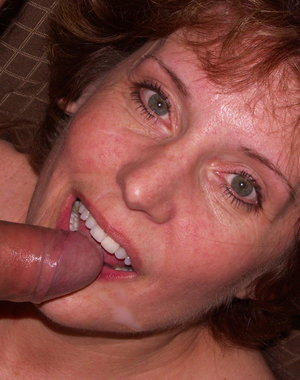 mature Amy loves to suck on a hard cock