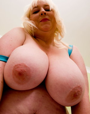 Mature Jo Juggs loves to play with her big boobs