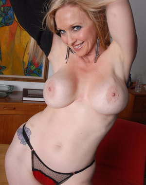 Hot MILF Madonna gets all naked for us
