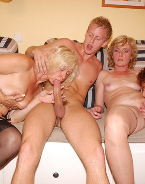 This dude loves fucking three mature sluts