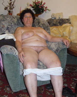This naughty housewife loves to strud naked