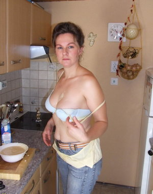 Housewife Tina loves to get dirty in the kitchen
