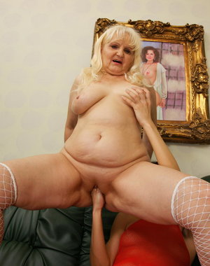Blonde mature slut getting fisted by a young slut