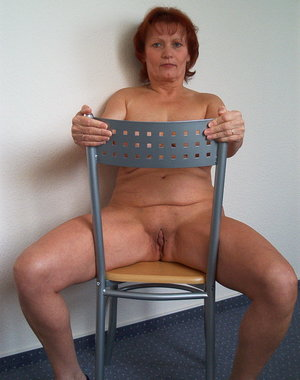 This horny mature slut loves to show off her body