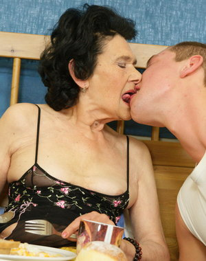 Kinky granny takes a mouth full of cum
