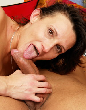 This horny mature slut gets fucked by her servant