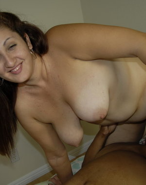 Big mature woman doing a big titted lesbian slut