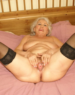 Granny loves to get nasty on herself