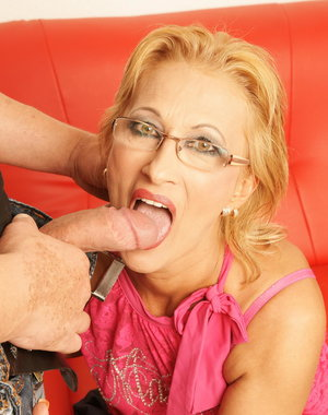 This horny blonde mature slut loves a creampie