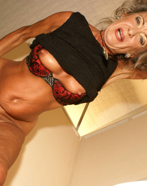 This granny loves a cock in hermouth on the toilet