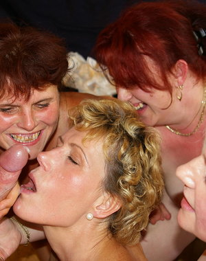 When youre at a mature sexparty its all kinds of kinky fun