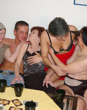 Hot mature sexparty with loads of wet pussies