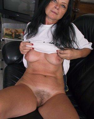 Care Hq mature slut pics out.....she's