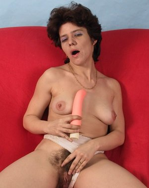 Hairy mature slut playing and sucking cock