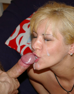 Horny blonde mature slut sucking and fucking