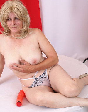This mature hussy wants a big black cock to ride on