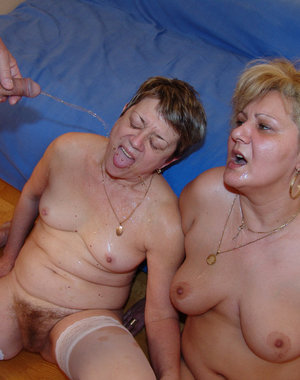 Kinky mature pissloving sluts in action