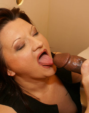 This chubby mature slut loves the mature gloryhole toilet