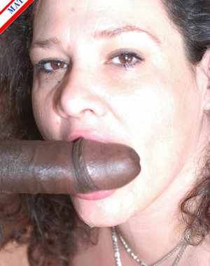 Mature american housewife munching on a chocolate cock