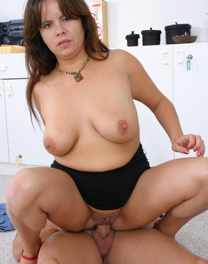 this horny mature slut loves to get fucked good