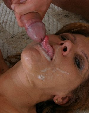 Kinky mature slut sucking and fucking a younger man