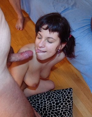 Bettina loves older men's piss and cocks