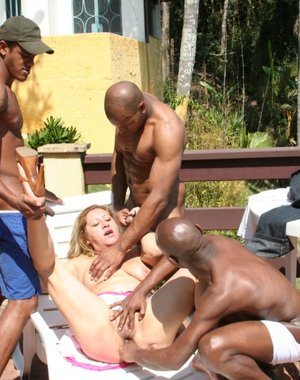 Mature slut in great gangbang action