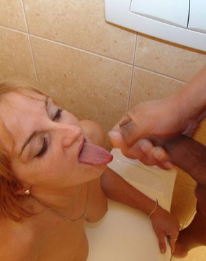 Sex on a public toilet with a mature slut