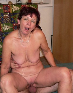 mature slut really loved to be fucked before the camera