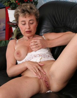 mature honey fucking for the money
