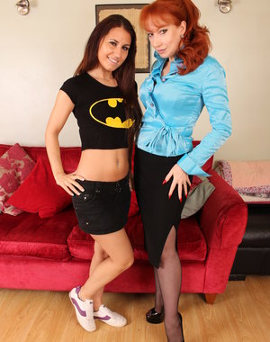 British red housewife seducing a hot lesbian babe