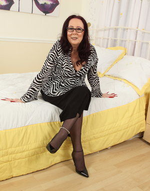 This naughty mature lady from England loves to play alone