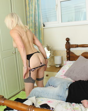 British mature lady getting some action