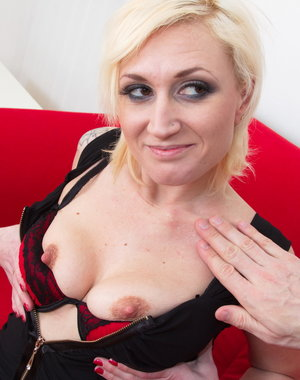 This naughty mom gets it in POV style