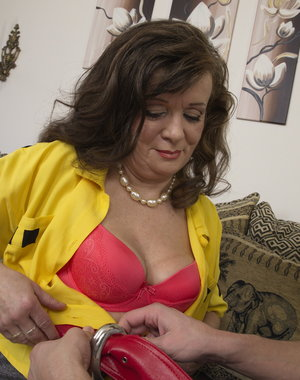 Naughty mature lady doing her toyboy