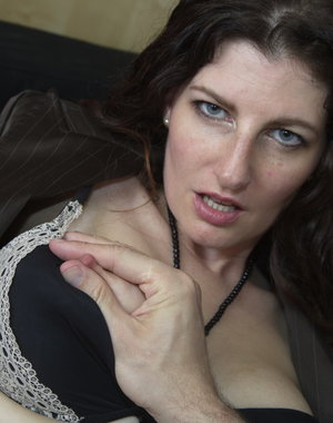Naughty Mom getting it in POV style