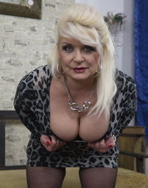 Chubby mature lady getting it in POV style