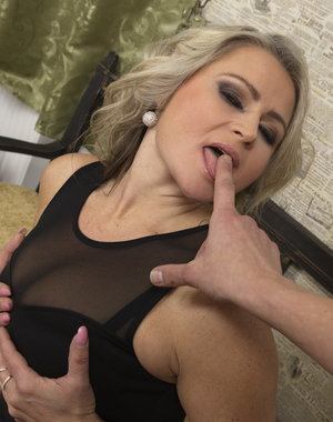 Naughty MILF getting it in POV style