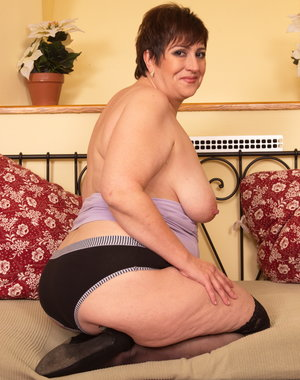 Horny mature BBW getting a bit naughty